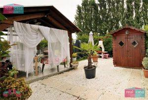 Villa Bifamiliare VG132 Giardino01